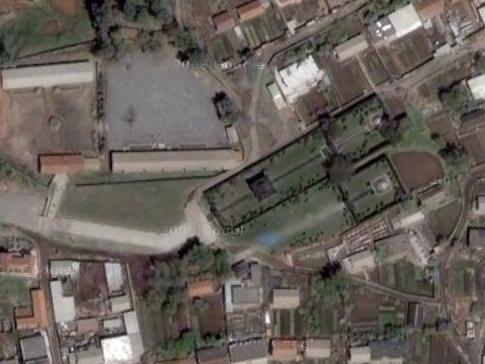 シュルガチ墓(北)、チュエン墓(南)