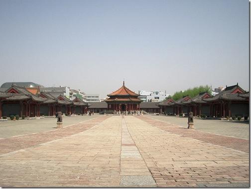 大政殿と十王亭  南側から撮影