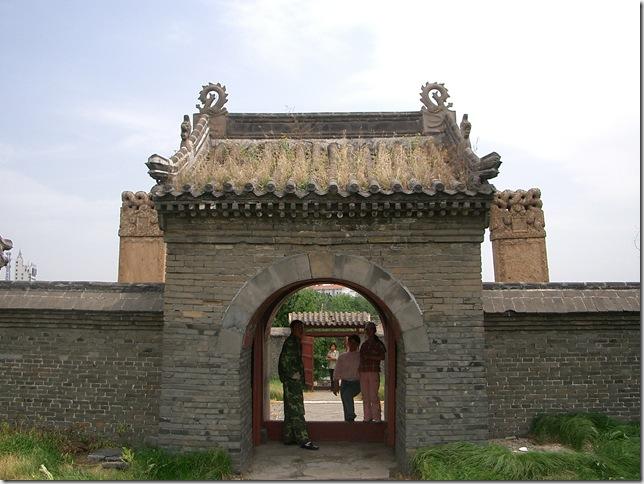 東京陵 ムルハチ・ダルチャ陵墓門